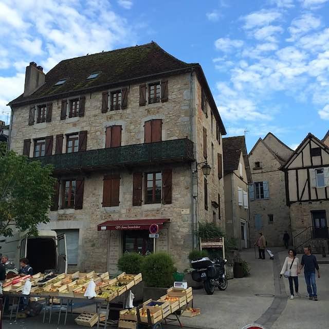 Maison de Cajarc sur la place du marché