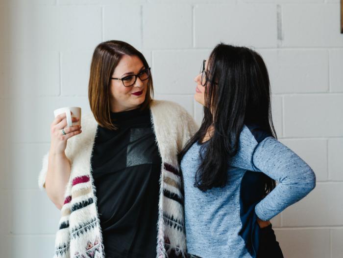 Conseils pour organiser votre photoshoot professionnel pour avoir des photos officielles de votre entreprise et de vos services ou produits. Photo par Emilie Iggiotti
