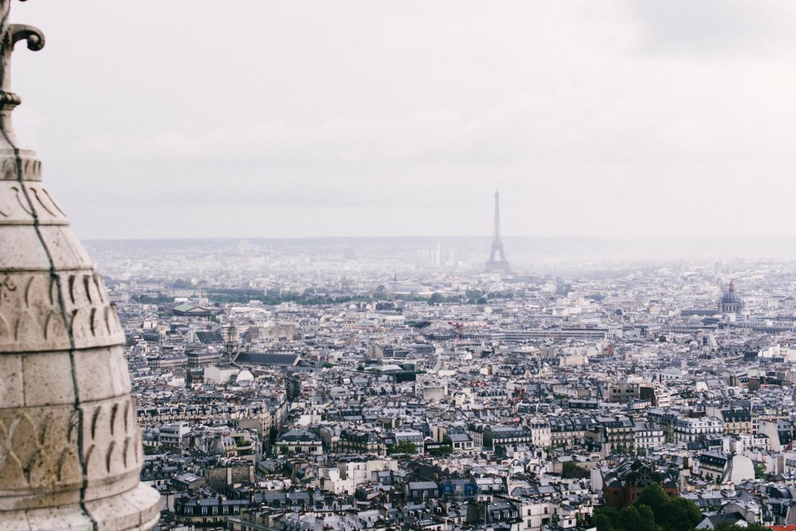 Découvrez les meilleures applications pour un voyage d'affaires à Paris - Photo par Alice Donovan Rouse