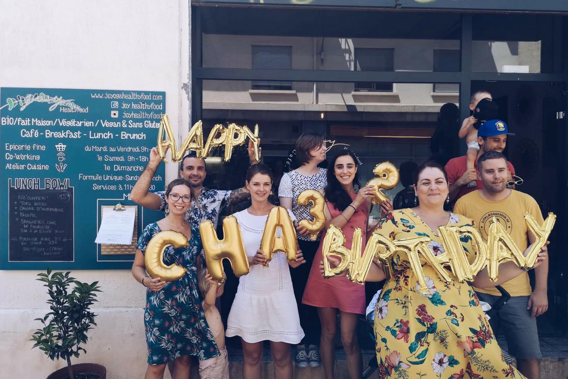 Je vous parle de la célébration de mon anniversaire pour mes 32 ans autour d'un brunch végétalien à Montpellier avec mes amis les plus proches - Photo par Charlotte Laurent