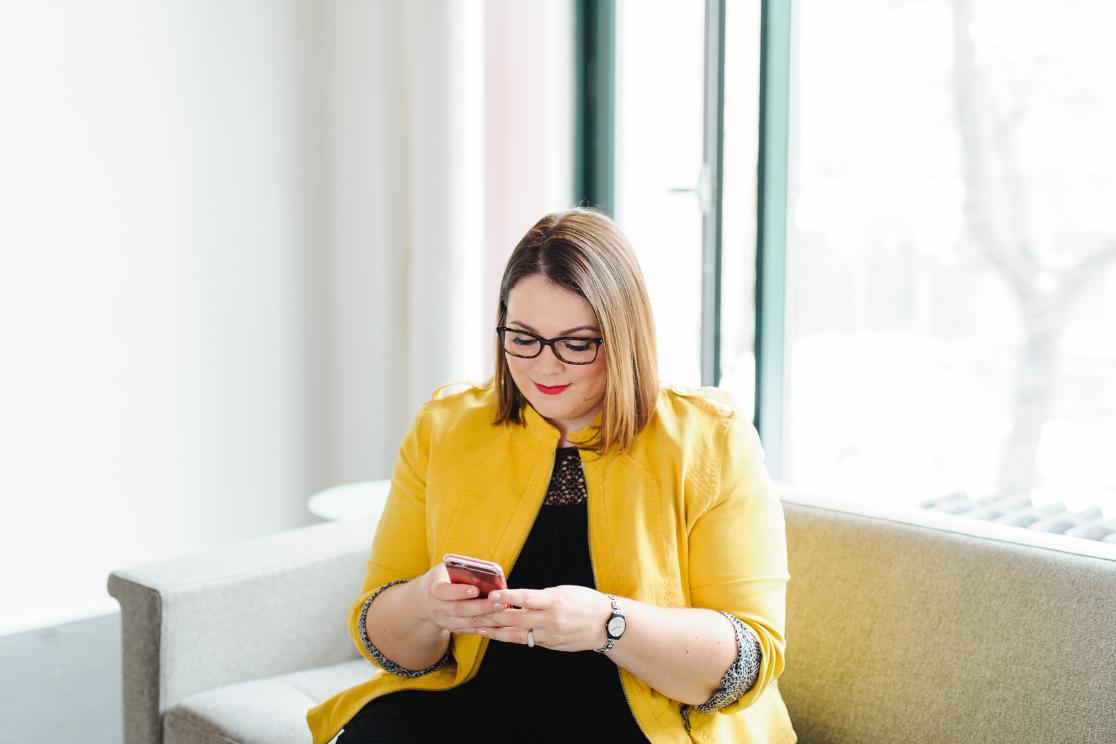 Découvrez les collaborations de Chaprgirl à travers le monde avec ses clientes francophones - Pour de la Consultation, Stratégie et mise en oeuvre ou encore des formations en communication. Charlotte Laurent travaille avec des femmes chrétiennes ou non mais qui ont un projet entrepreneurial qui est solide et sur le long terme.
